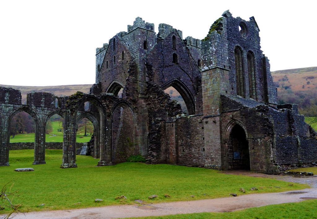 sud del galles llanthony priory